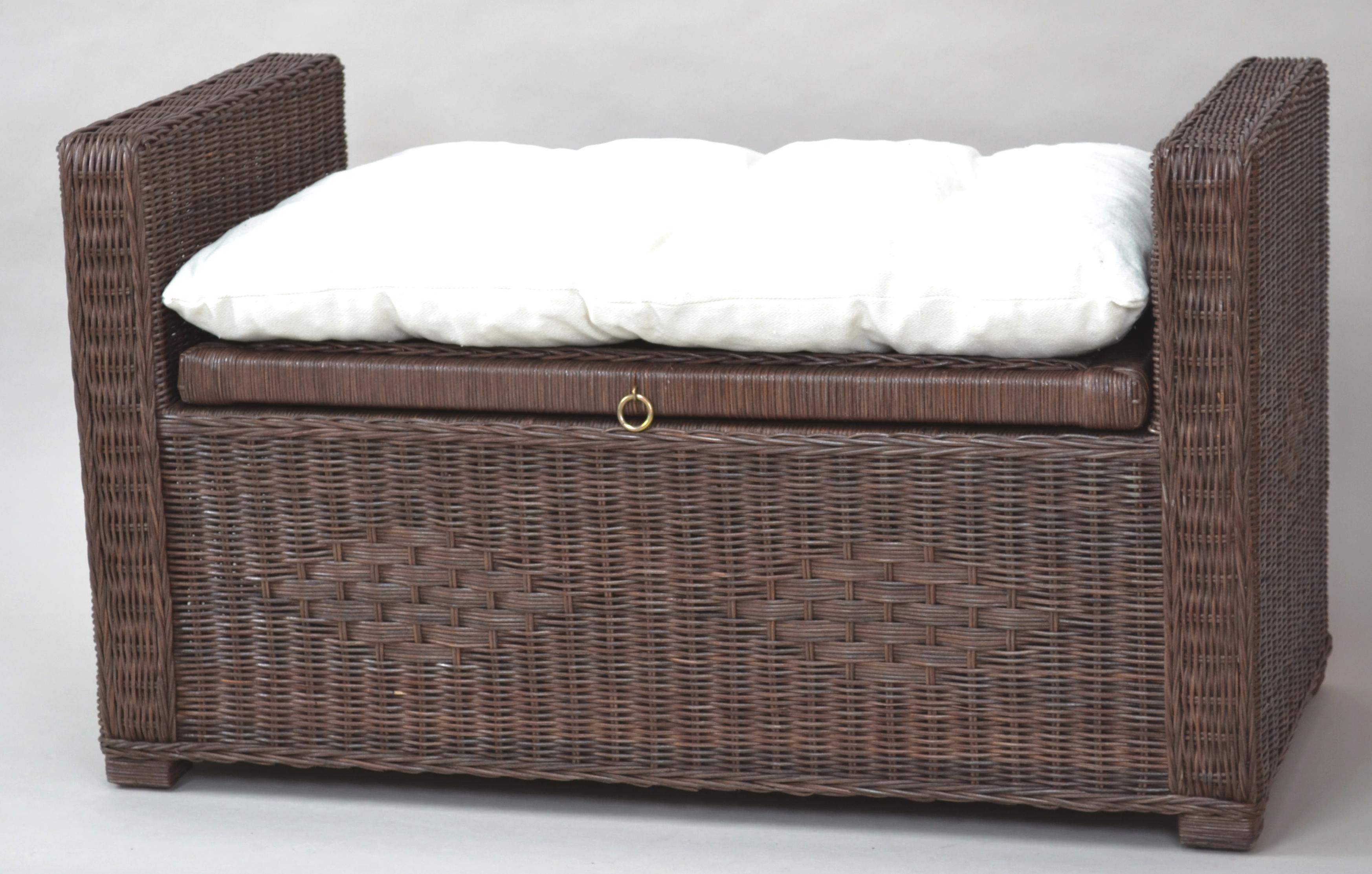 rattantruhe kubu rattan korbhaus. Black Bedroom Furniture Sets. Home Design Ideas