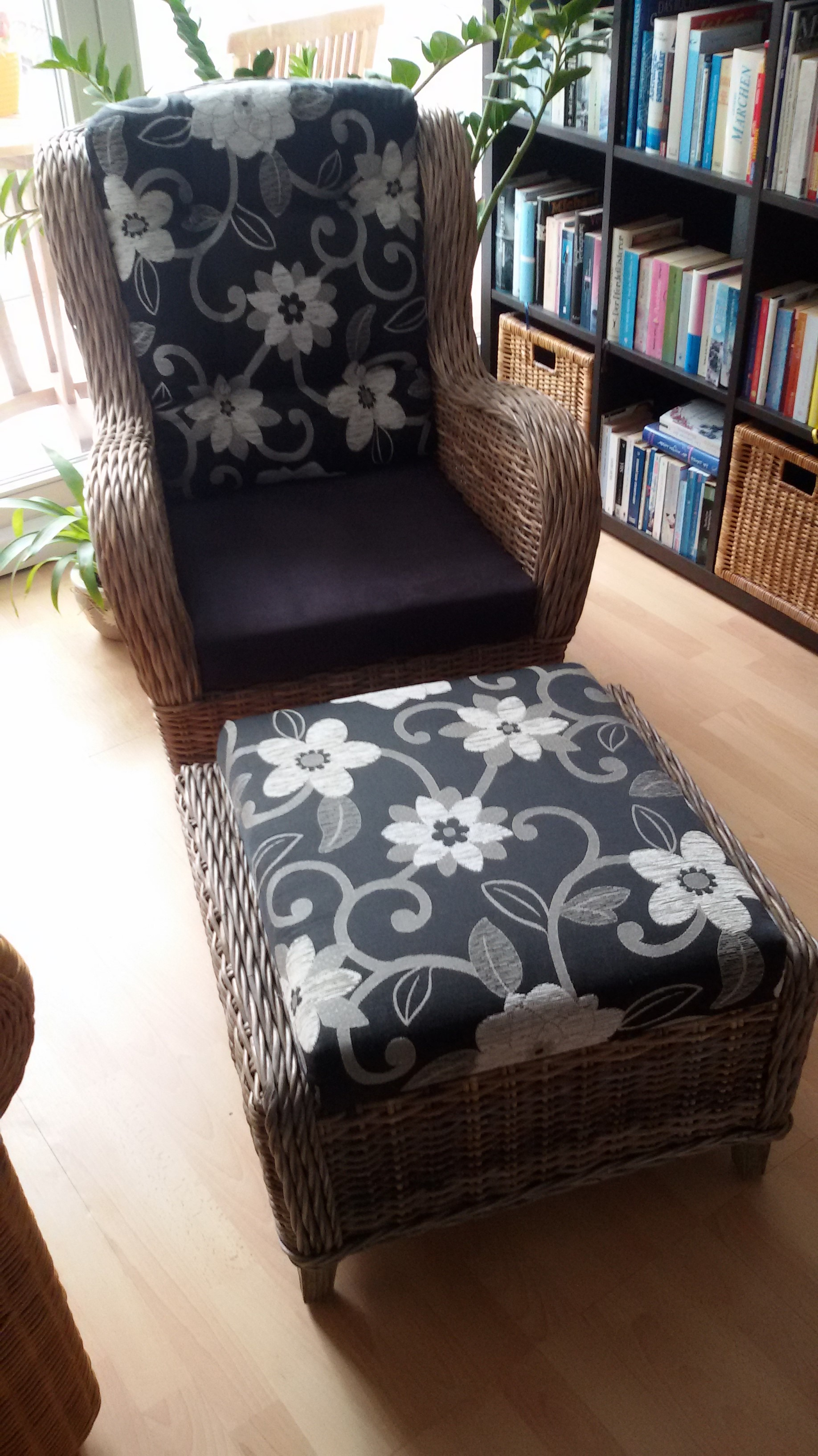 ohrensessel fernsehsessel hochlehner mit fu hocker rattan korbhaus. Black Bedroom Furniture Sets. Home Design Ideas