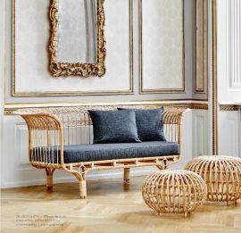 Couch Belladonna